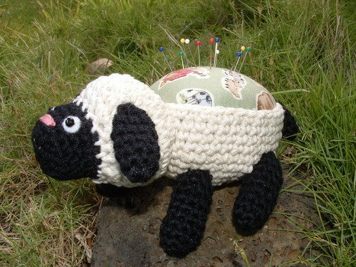 Amigurumi Sheep Pincushion