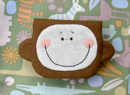 Monkey pouch